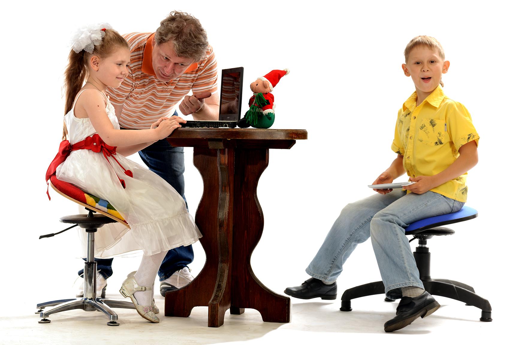 Мозжечок помогает формированию правильной осанки детей
