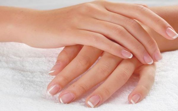Что необходимо предпринять, если у вас слоятся ногти?