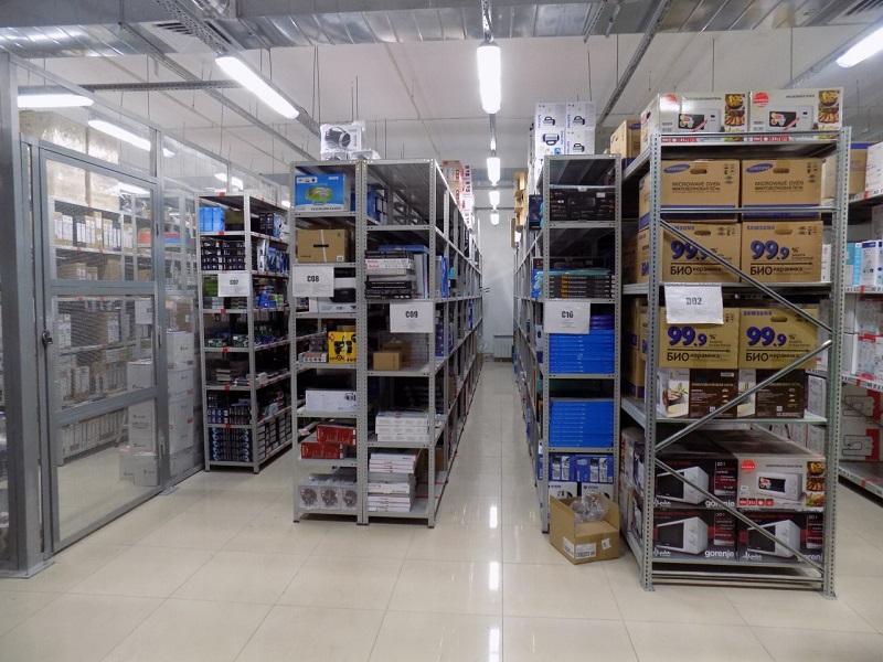 Условия хранения электронных товаров на складе