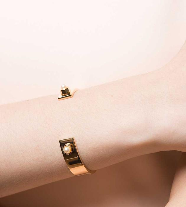 лаконичный браслет Simple Cuff от итальянского бренда Maria Francesca Pepe