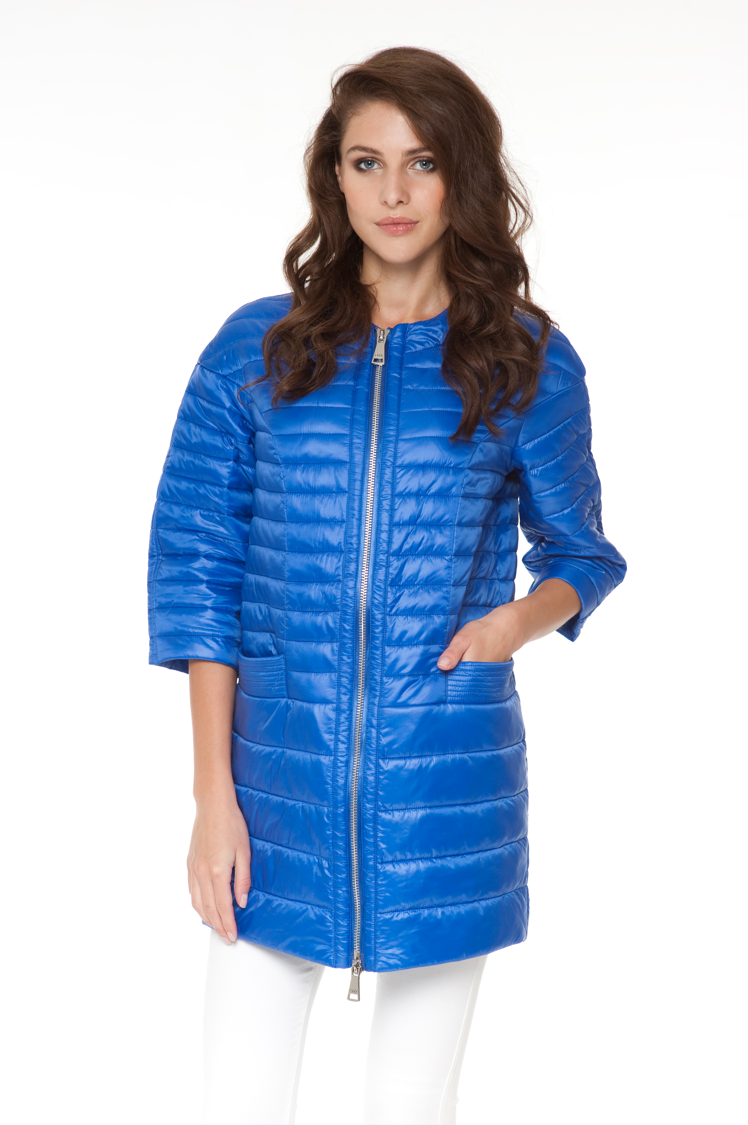 Шикарное пальто ODRI Adelina Electic соблазняет короткой длиной и насыщенной расцветкой