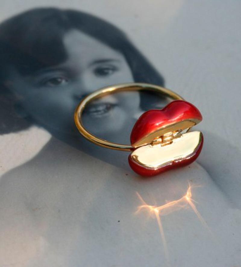 Кольцо-Lips-от-Miss-Bibi-.jpg