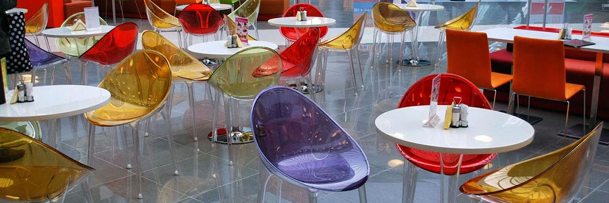 Столы и стулья для фудкорта