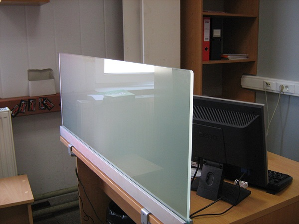 Настольный стеклянный экран, стекло матовое
