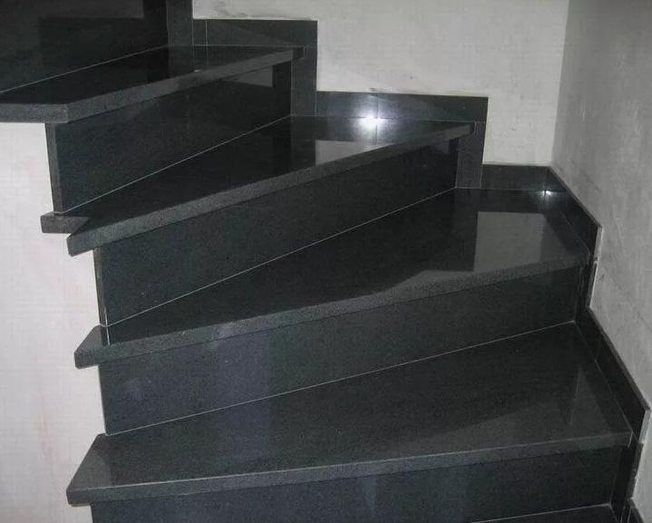 Черные ступени из гранита Габбро-Диабаз