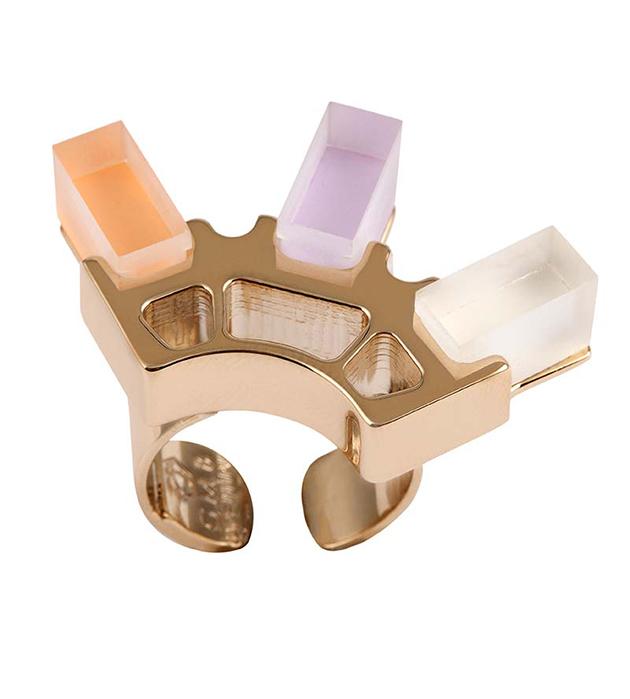купите необычное кольцо Green Gold ring with plexiglas cubes от итальянского бренда Giuliana Mancinelli