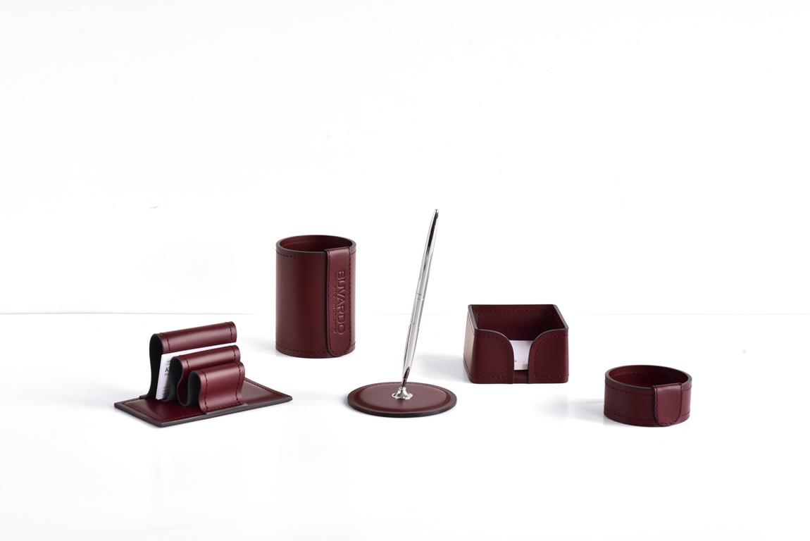 кожаные набор на стол красное дерево