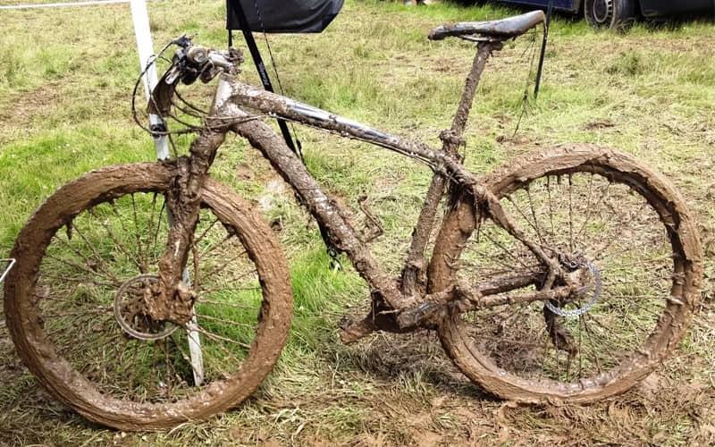 Грязный велосипед
