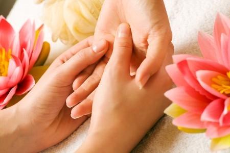 Шелушение и сухость кожи рук