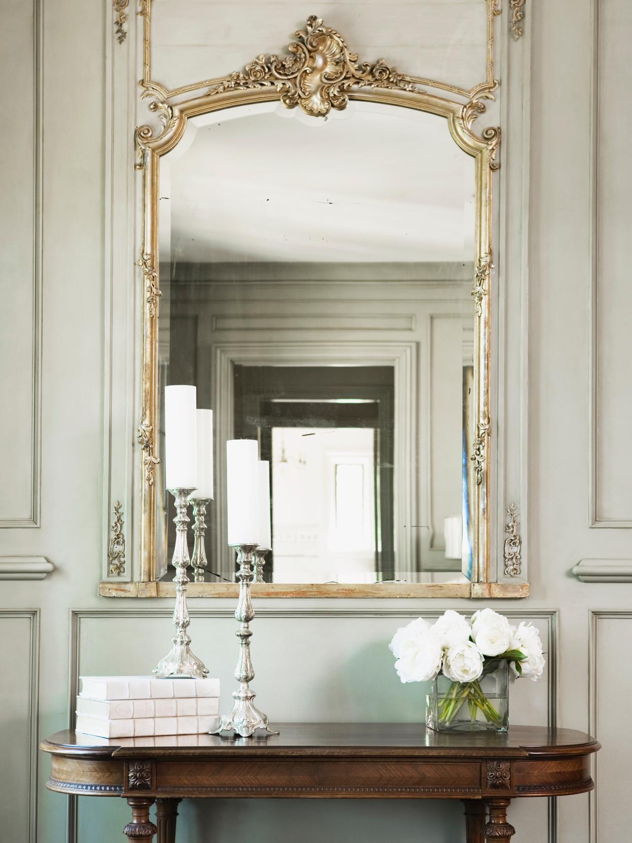 Надежные настенные зеркала для прихожей