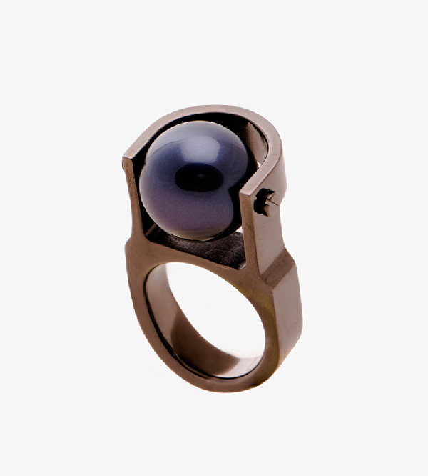 Кольцо-Pearl-Machine-Black-от-бренда-A-L_epoque.jpg