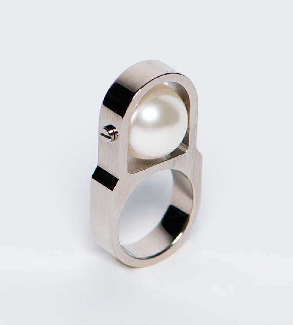Кольцо-Pearl-Machine-Silver-от-бренда-A-L_epoque.jpg