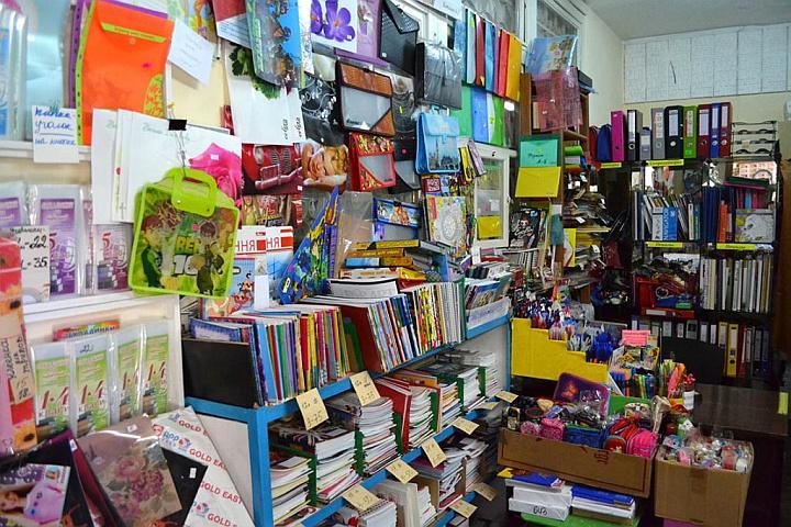 Сопутствующий товар в книжном магазине лучше размещать в прикассовой зоне