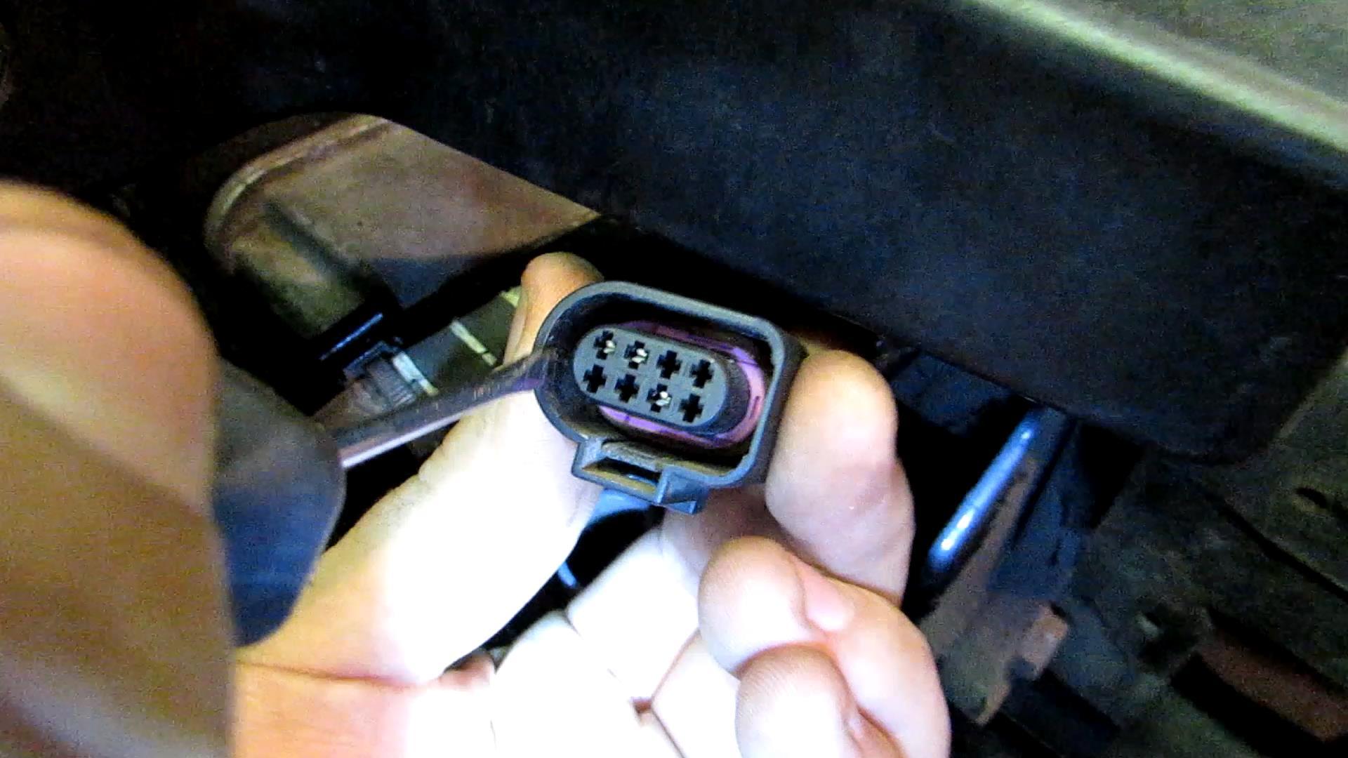ОТЧЕТ ПО ДООСНАЩЕНИЮ VW PASSAT B6 GSM-МОДУЛЕМ ALTOX WBUS-4 5