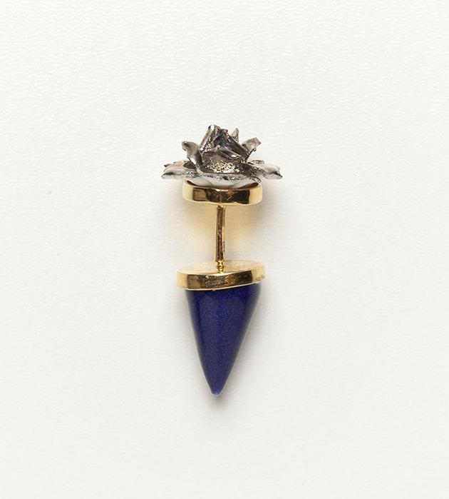 стильное украшение из фарфора и позолоченной латуни от ANDRES GALLARDO -Flower Pyramid