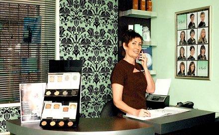 А справляется ли со своими обязанностями администратор вашего салона красоты?