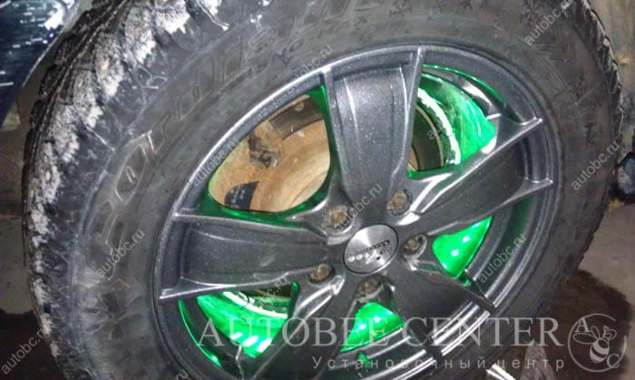 podsvetka-diskov_Toyota_Camry_2.jpg