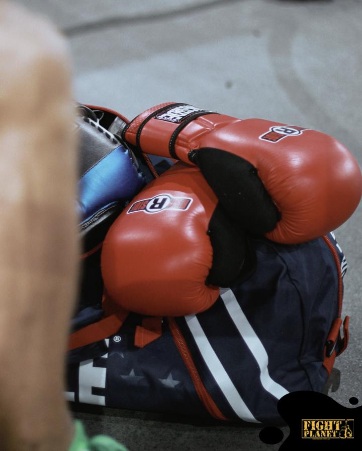Боксерские перчатки для тренировки