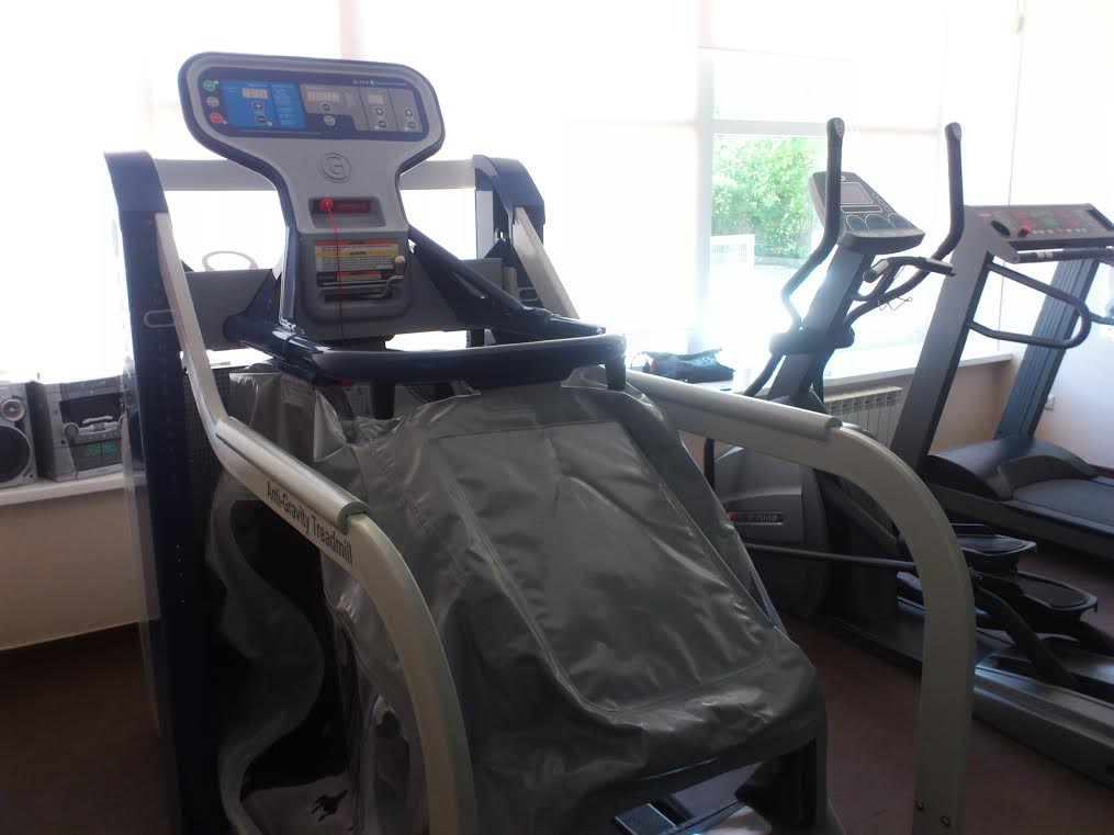 Антигравитационная беговая дорожка AlterG установлена в челябинской клинике
