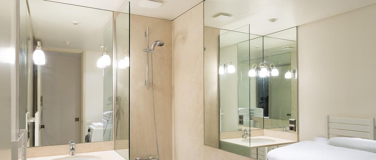 Зеркало до потолка в ванной
