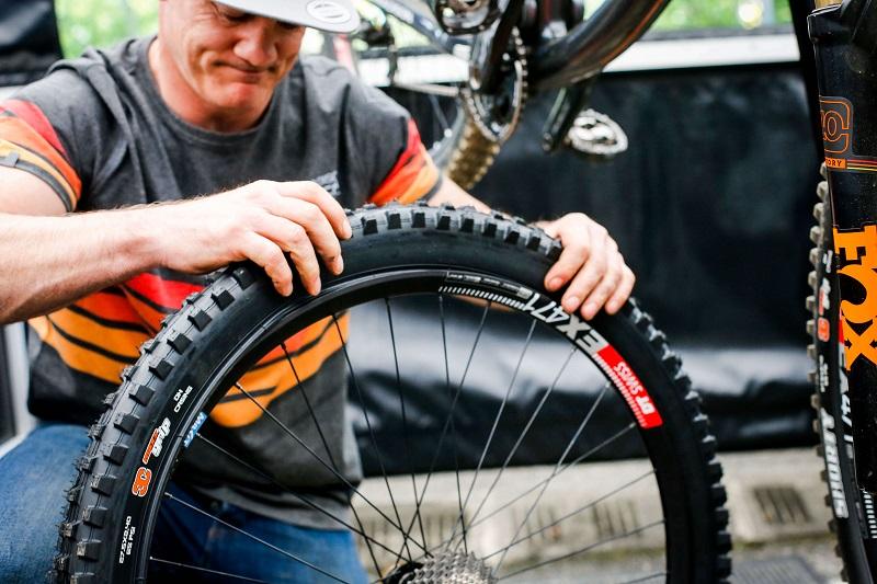 mounting tips for tubeless tires1509448190 - Чем можно заменить камеру в колесе