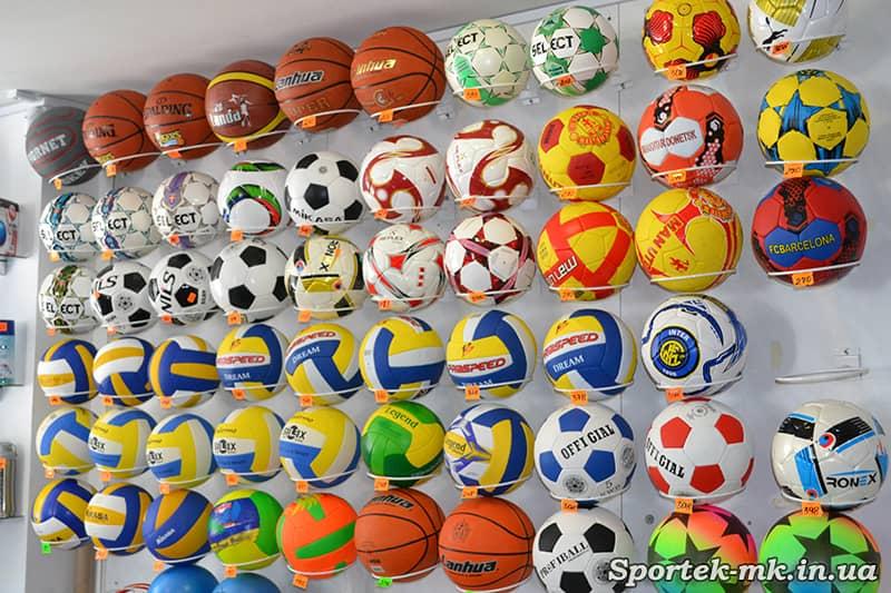 """Мячи футбольные, волейбольные, баскетбольные в магазине """"Дом Спорта"""" в Николаеве"""