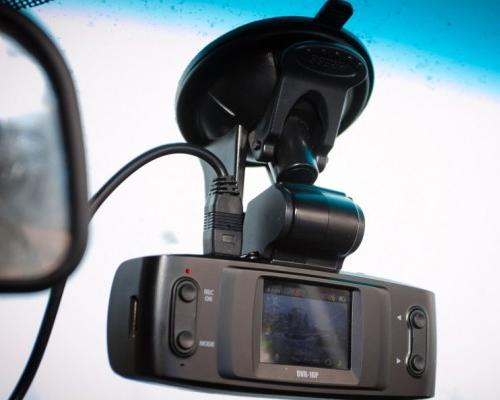 Видеорегистраторы какие они бывают видеорегистраторы dvr-720hd