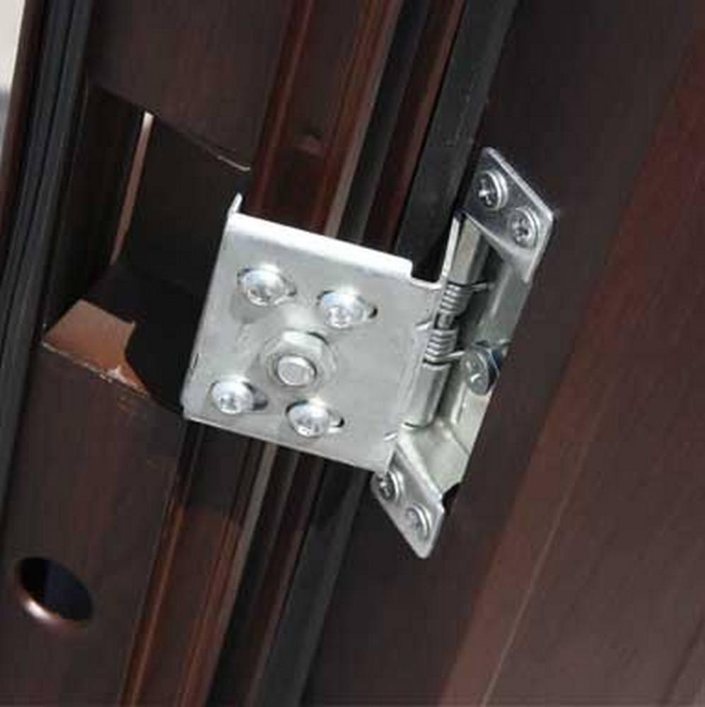 Телескопическая петля у входной двери Кайзер