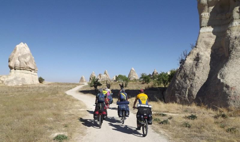 Велотуристы в Турции