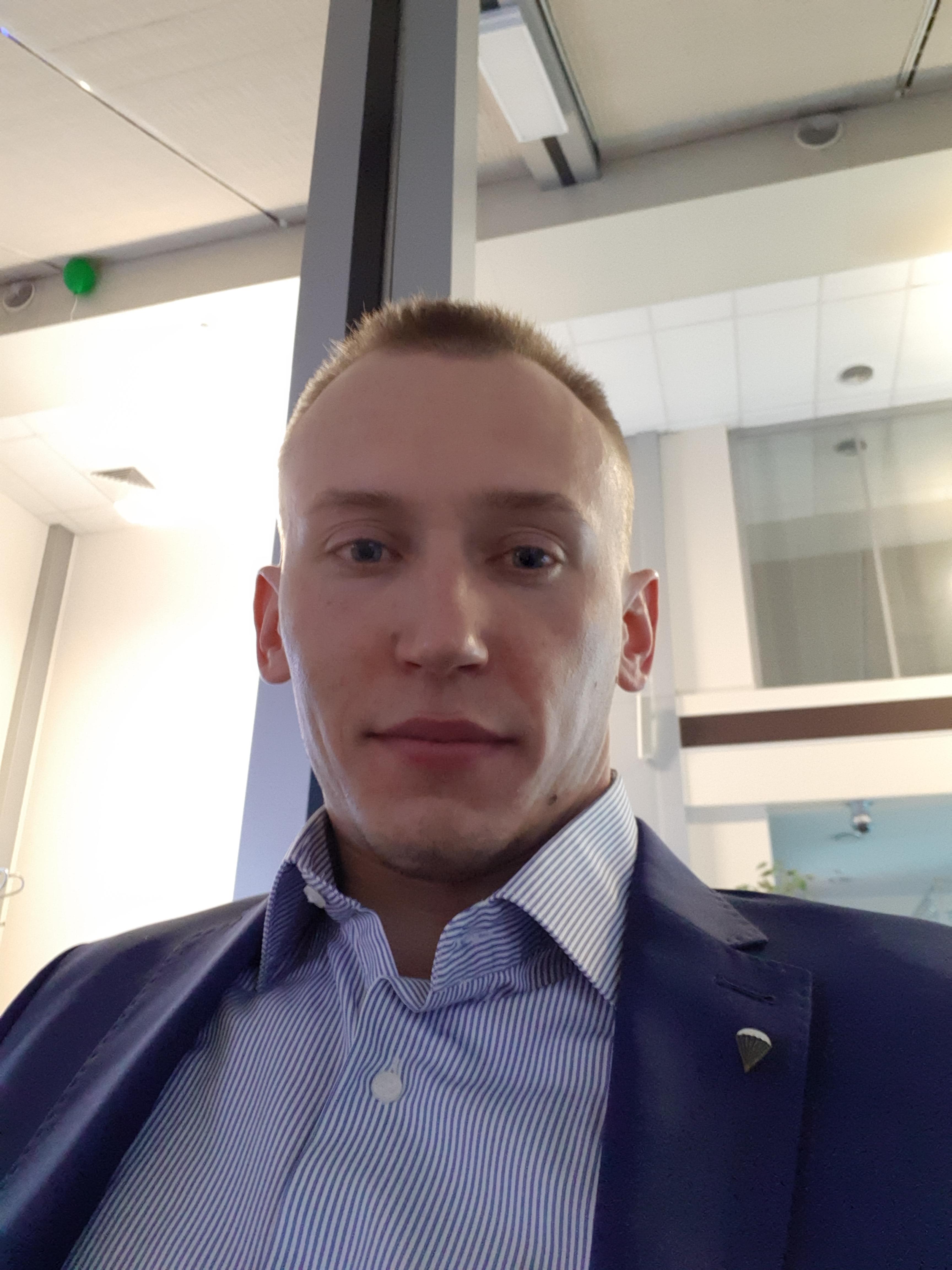 Парашютист Малиновский Дмитрий
