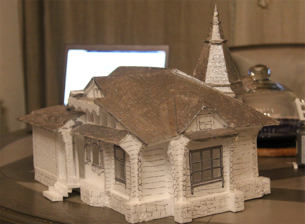 Макет дома Лыжина из пенопласта.