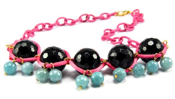купить розовое колье из камней черный агат и бирюзовый ангитрит фото