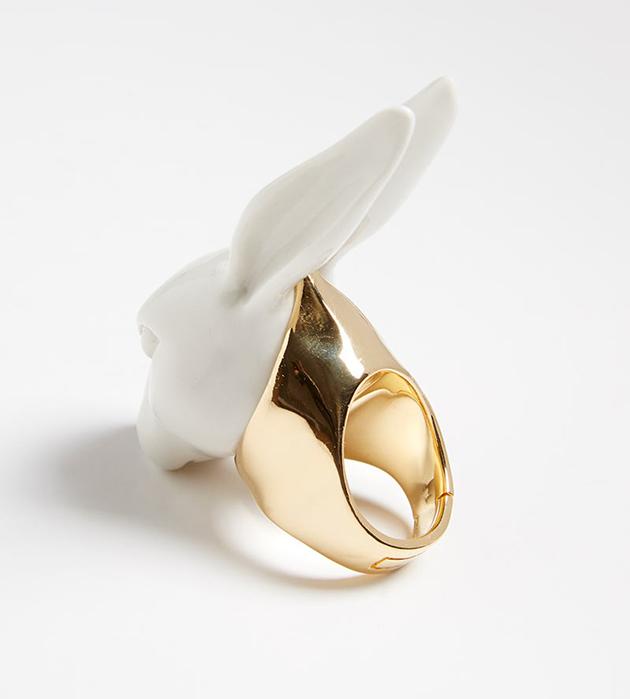 купите необычное кольцо из испанского фарфора от ANDRES GALLARDO - Big Rabbit Head ring