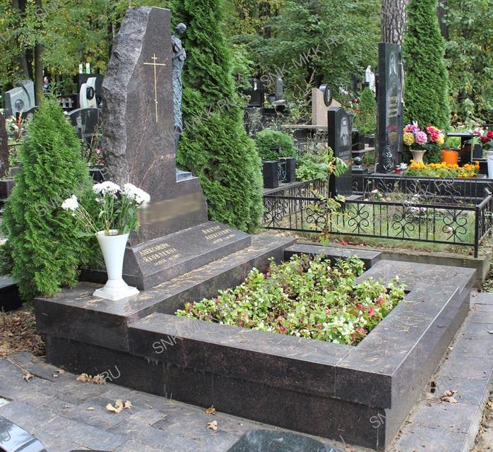 мемориальные комплексы на могилу москва подмосковье МКК