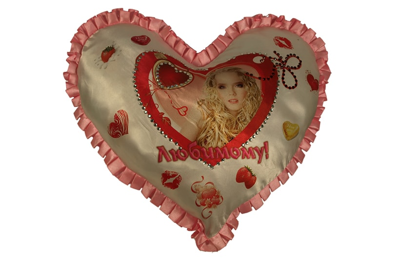 Сувенирные подушки в форме сердечка