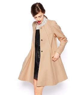 Модно пальто-трапеция