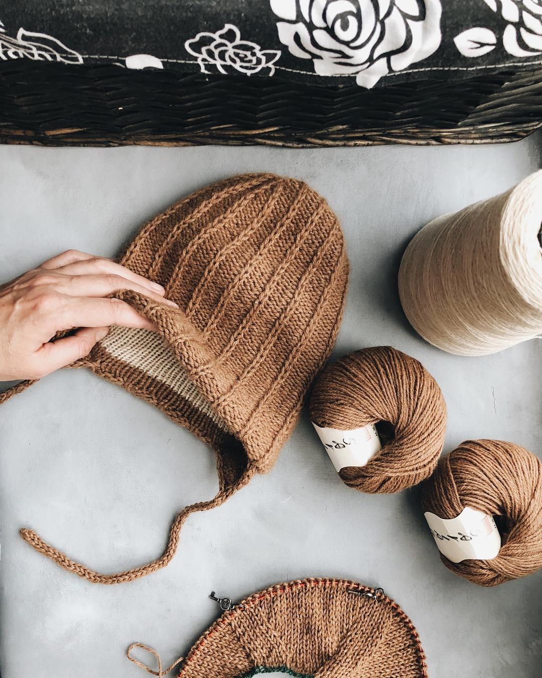 шапка из пряжи sarlag