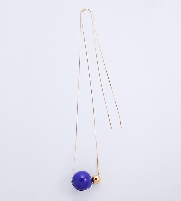купите изящная подвеска с синим и золотым шариками от Pili Collado