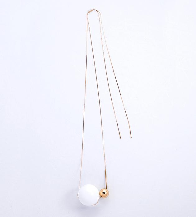 купите изящная подвеска с белым и золотым шариками из муранского стекла