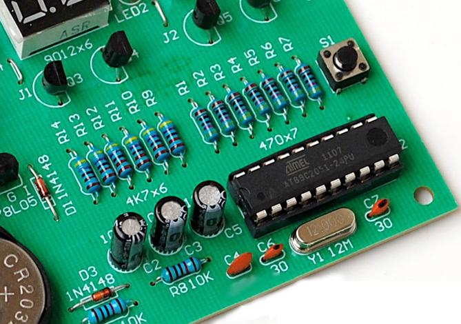 Радиоконструктор RC022. Электронные часы