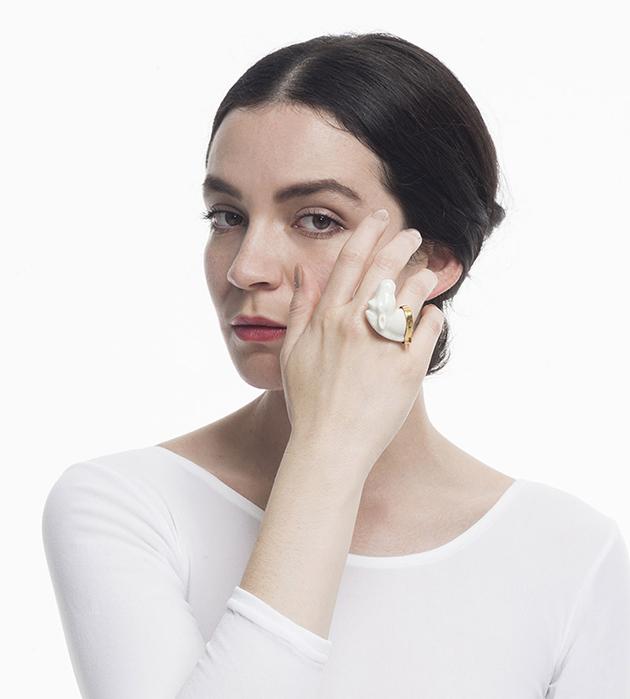 украшение из фарфора от ANDRES GALLARDO - Horse Ring