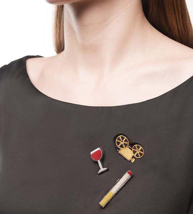 стильная расшитая брошь Projector Gold от Macon&Lesquoy