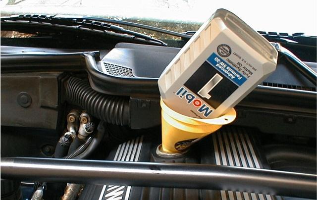 Замена масла в моторе БМВ