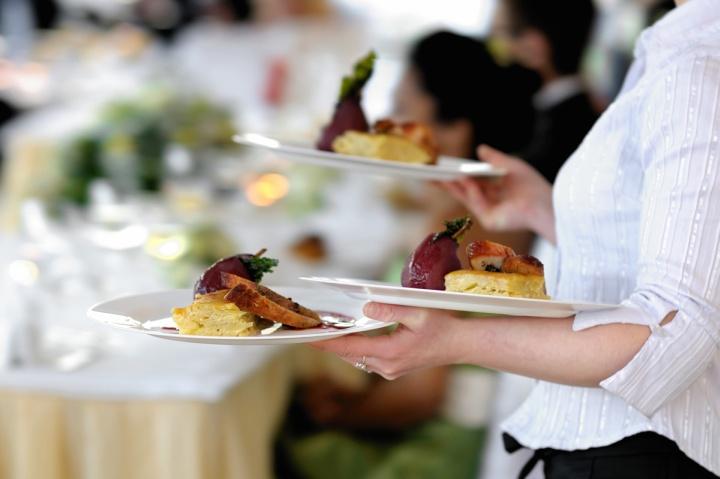 Процесс обучения хорошего официанта растягивается на годы
