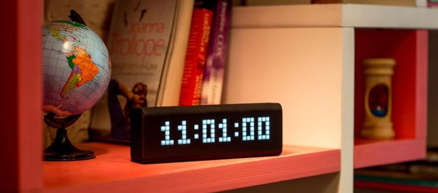 Картинки по запросу Умные настольные часы LaMetric Time