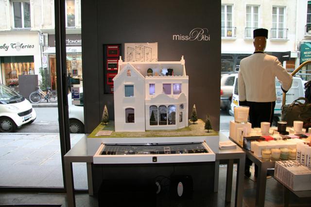 стенд Miss Bibi на выставке в Colette