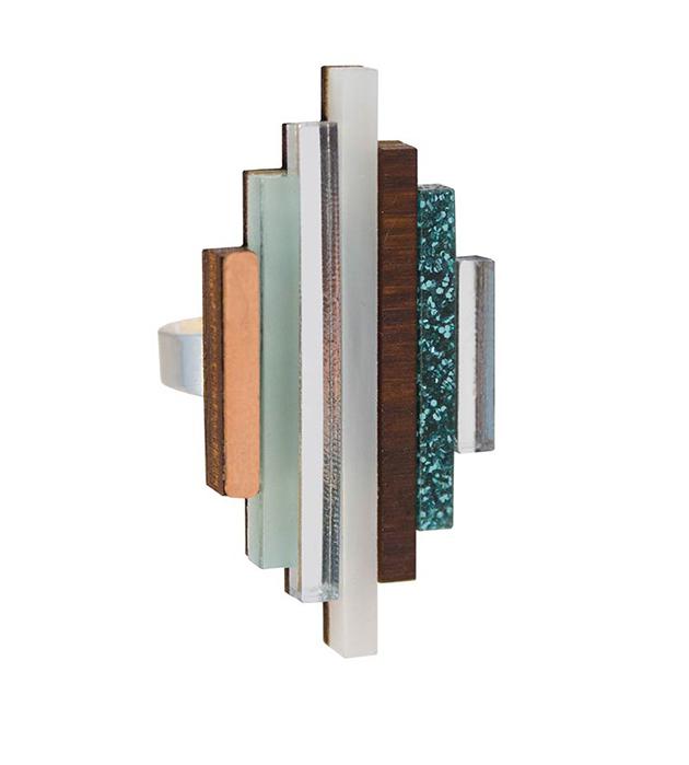 купите эффектное наборное кольцо ручной работы Ripple ring Mint от английского бренда Wolf&Moon