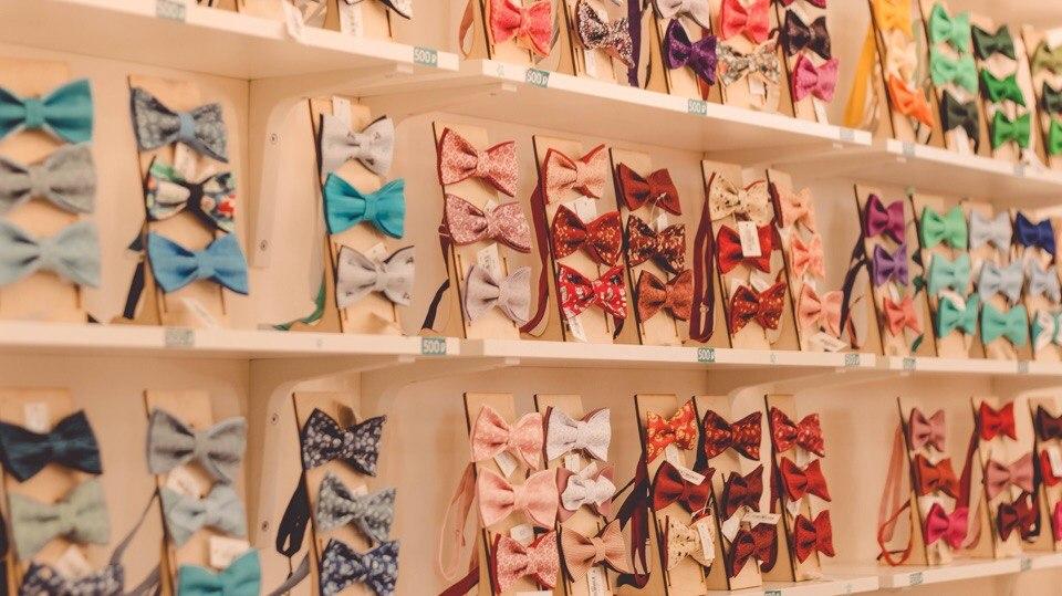 Более 1000 галстуков-бабочек
