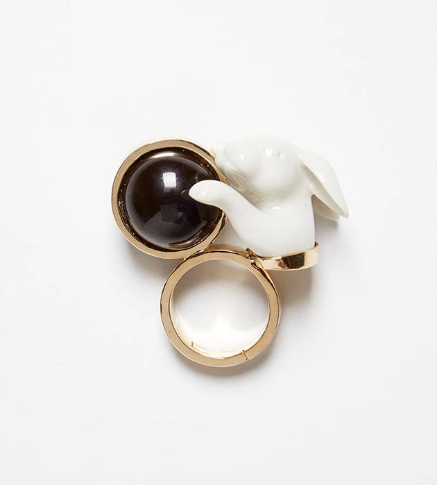 купите необычное кольцо от ANDRES GALLARDO - Rabbit Balloon ring