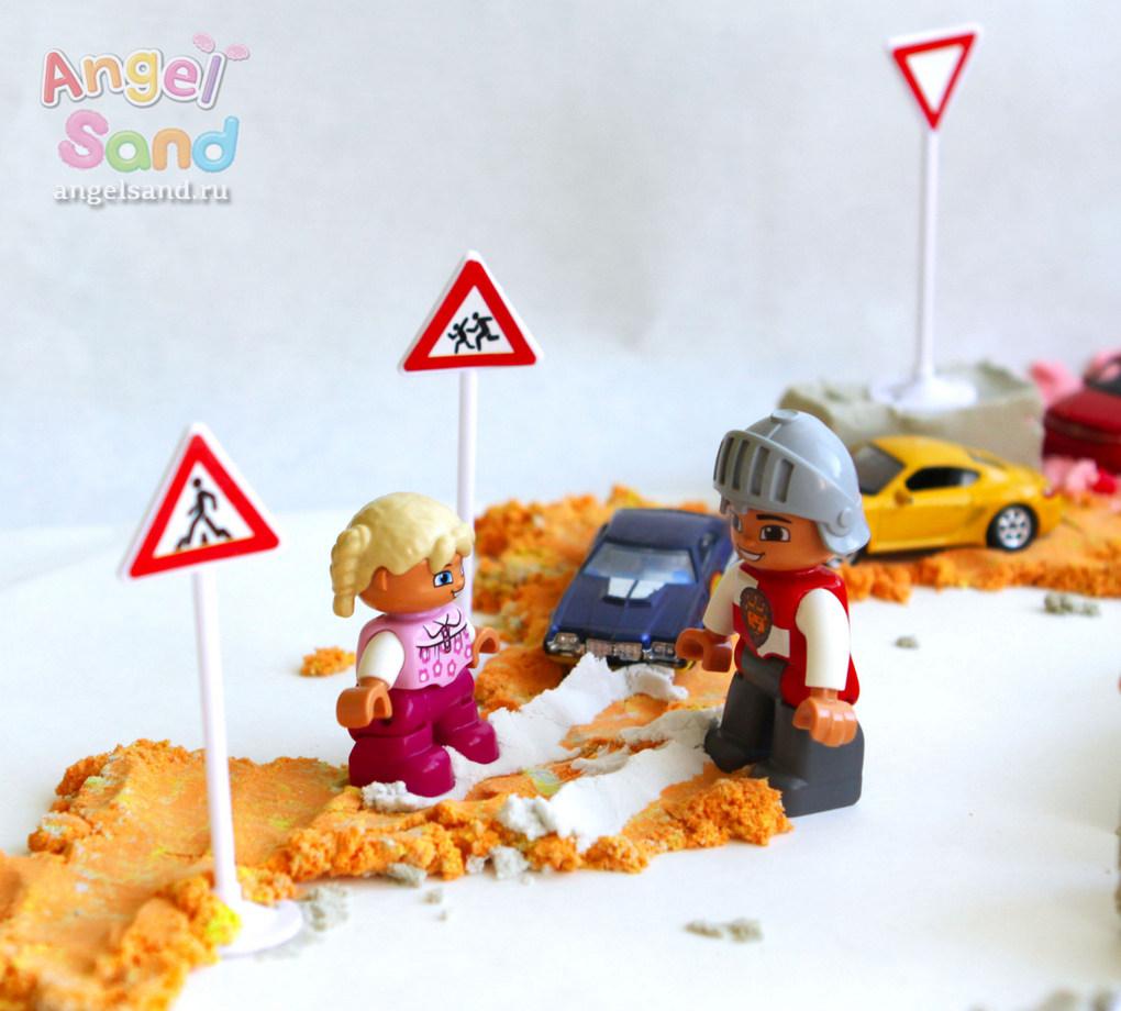 Angel-Sand-igry-s-peskom-dorozhnye-znaki-3.jpg